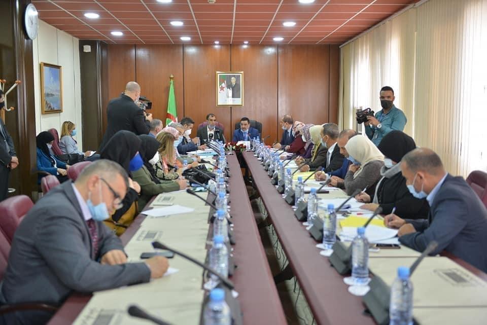 اجتماع لجنة الشؤون القانونية والإدارية والحريات بمقر المجلس الشعبي الوطني