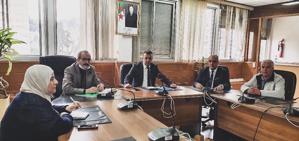 جلسة عمل بين المدير العام للمؤسسة العمومية للتلفزيون الجزائري