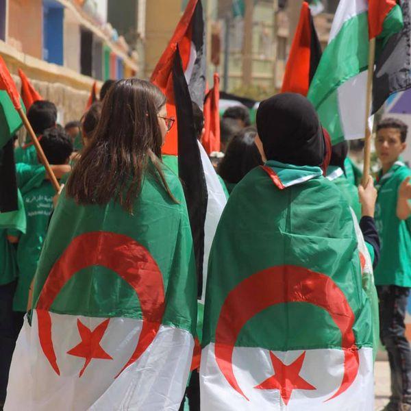 الكشافة الإسلامية الجزائرية تحيي الذكرى المزدوجة لعيدي الإستقلال والشباب 05 جويلية